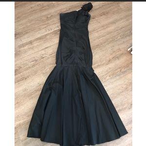 Cashe one shoulder dress